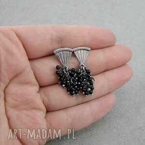 atrakcyjne kolczyki ekskluzywne wachlarz z czarnym ogonem