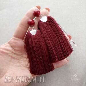 sztyfty kolczyki czerwone z chwostami w burgundzie