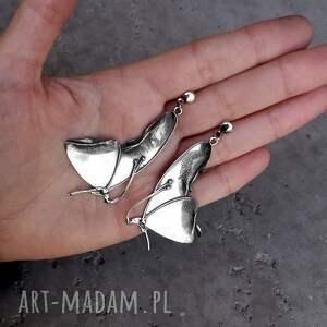 czarne kolczyki długie z motylami (większe)