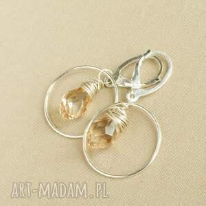 eleganckie kolczyki ze srebra z kryształkiem