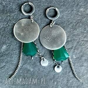 kolczyki wiszące ze srebra z zielonymi