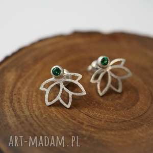 Zielone kwaity lotosu - joga kwiaty