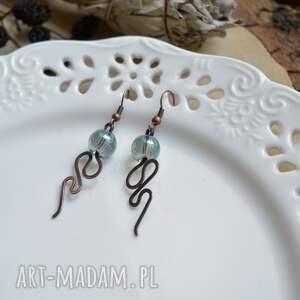 atrakcyjne kolczyki długie zielony wąż - z miedzi
