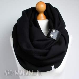 Pracownia Zolla czarny gruby komin tuba szal zimowy z zapinką, paskiem, pomysł na prezent dla tuby
