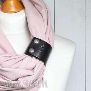 różowe kominy komin modny szal pudrowy