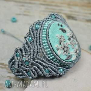 pomysł na prezent elegancki komplet biżuterii
