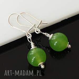 atrakcyjne jadeit z unakitem