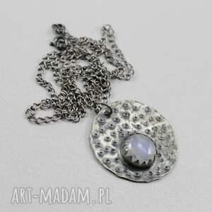 kamień księżycowy i srebro