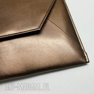 elegancka kopertówka - miedziana z perłowym
