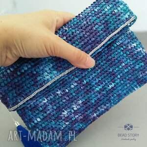 c61a47259cdb3 niebieskie kopertówki torebka kopertówka z rafii w kolorze