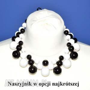 białe korale długi-naszyjnik czarno-białe drewniane