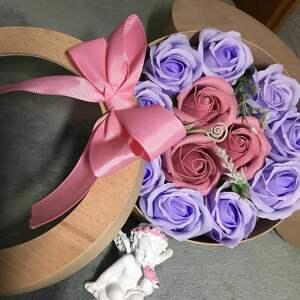 hand made prezent dla babci box kwiaty z mydła. oryginalny