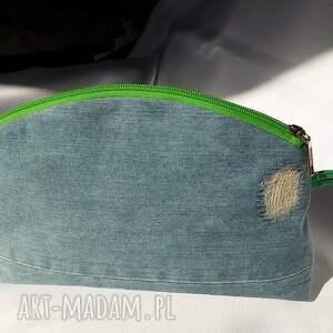 zielone kosmetyczki torebeczka jeansowa kosmetyczka