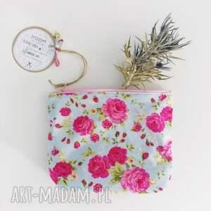różowe kosmetyczki organizer kosmetyczka saszetka