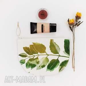 zielone kosmetyczki las kosmetyczka