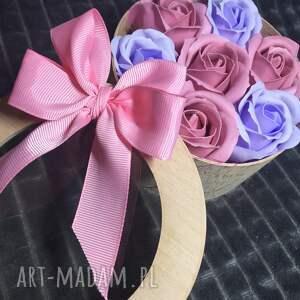 fioletowe kosmetyczki róża super original gift. flowers with soap. the box