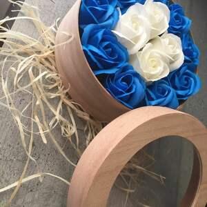 hand made kosmetyczki prezent dla babci box kwiaty z mydła. oryginalny