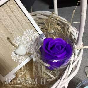 kosmetyczki prezent róże z mydła