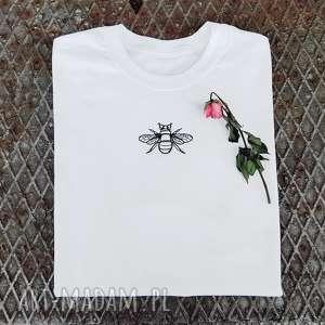 koszulka koszulki t-shirt z haftem pszczoły