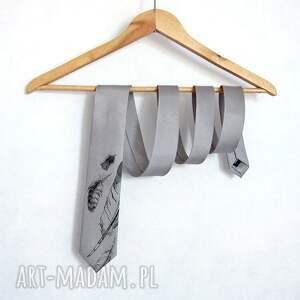 modne krawaty krawat w pióra