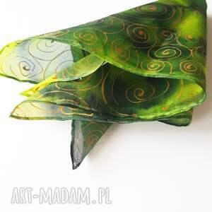 Ręcznie malowana poszetka w zieleniach i złocie - robione