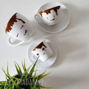 Muki design kubki: Filiżanka zalana kawą 300 ml spodek - handmade