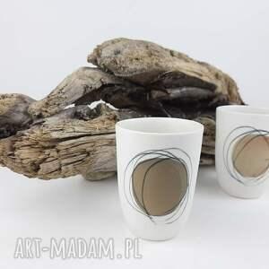 beżowe kubki porcelana kubeczek do kawy