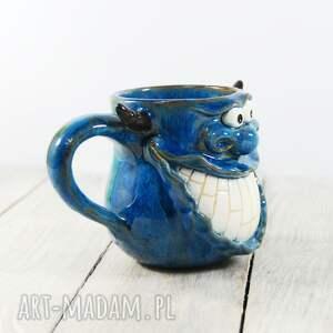 frapujące kubki kawa kubek stworek, potworek z rogami