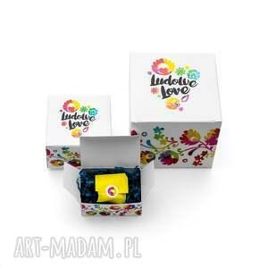 czarne kubki kolorowe kubek z grafiką ludowy