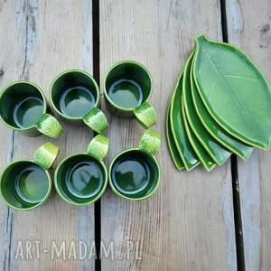 Zestaw 6 kubków ceramicznych z podstawką Liść - prezent