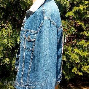 niebieskie kurtki jeans jeansowa kurtka z kwiatem