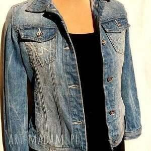 ręczne wykonanie kurtki jeans katana jeansowa z kolibrem