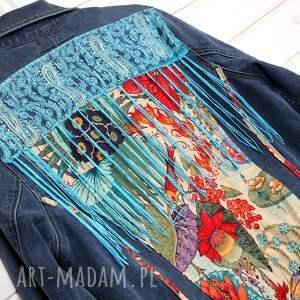 niebieskie kurtka dżinsowa z frędzlami