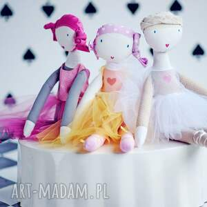 balerina lalki ana, która lubi tańczyć. lalka
