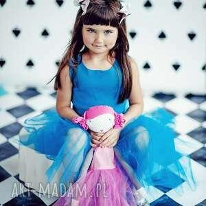 lalki balerina ana, która lubi tańczyć. lalka