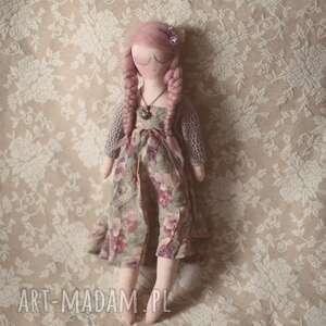 wyjątkowe lalki medalion bajka w sweterku - melancholia