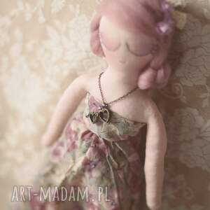 lalka lalki fioletowe bajka w sweterku - melancholia