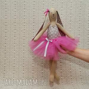 lalki zając baletnica beżowy kwiatuszek