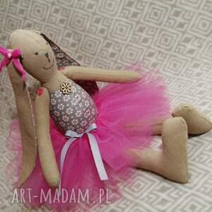 zając lalki baletnica beżowy kwiatuszek