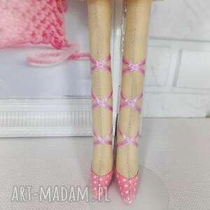 lalki zabawka duża baletnica w brzoskwiniowych