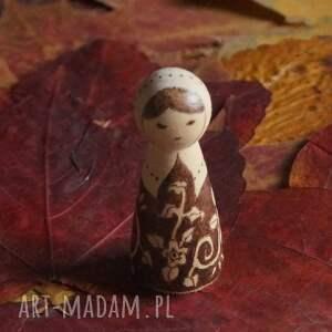 brązowe lalki drewno folkowa nostalgia - ręcznie