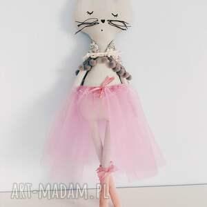 cat lalki szare kotek baletnica