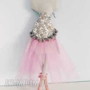 różowe lalki kot kotek baletnica