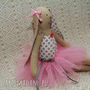 szare lalki tutu kropelkowa baletnica