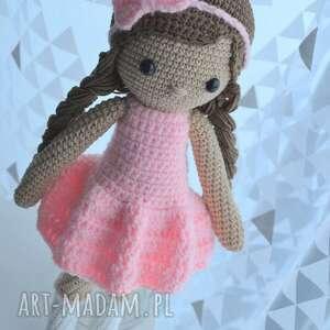 beżowe lalki lalka lala alicja różowa