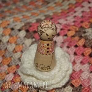 brązowe lalki retro laleczka calineczka - ręcznie