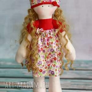 czerwone lalki lalka klara - samodzielnie stoi