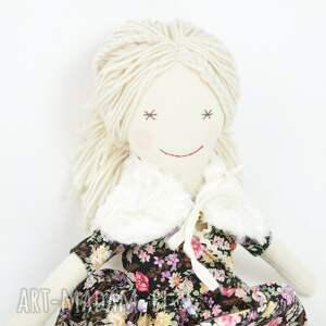 modne lalki lala lalka przytulanka czarna łączka