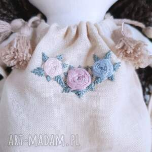 len lalki beżowe lalka ręcznie haftowana