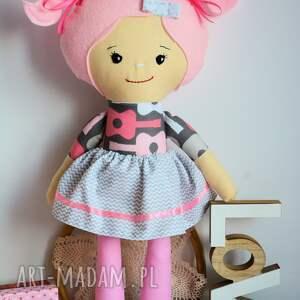 lalka lalki różowe rojberki to seria lal, których nazwa pochodzi